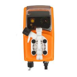 Дозирующий насос универсальный, с ручной регулировкой 4 л/час Emec